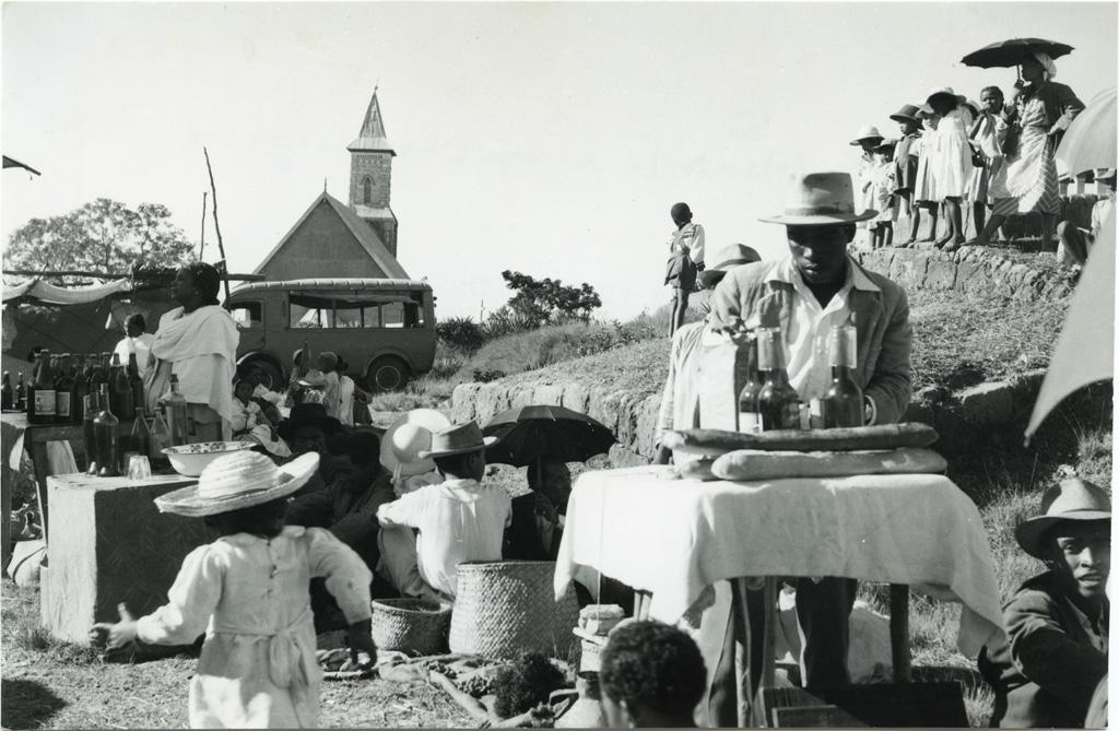 Marché dans la campagne malgache