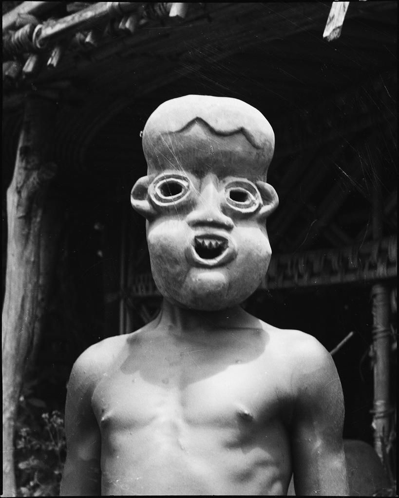 Masque à Batoufam / Daniel Broussous (1945/1953)