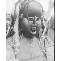 Masque, à Bgiva