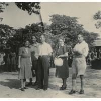 Missionnaires de la SMEP : de gauche à droite : Mme Coisson, E. Berger, A. Roux, Mme Burger, R. Coisson