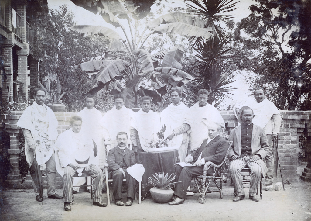 Monsieur Chabert, M. Ducommun et les maîtres de l'Ecole du Palais