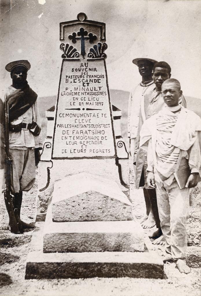 Monument souvenir d'Escande et Minault