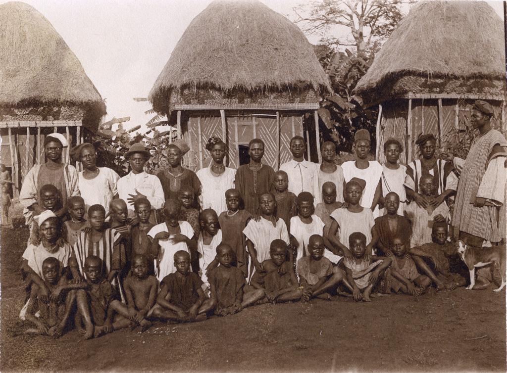 Mosé Yeyap et ses élèves