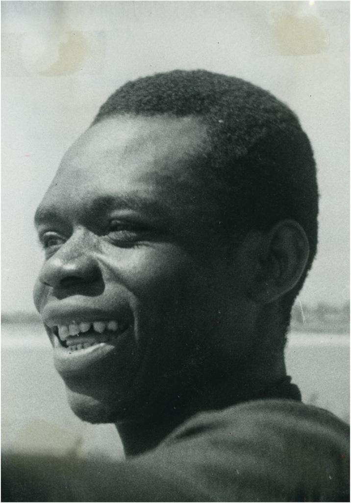 """Oubangui Chari, Camerounais """"évolué"""" appartenant au personnel roulant de la Société de Transports S.T.O.C."""