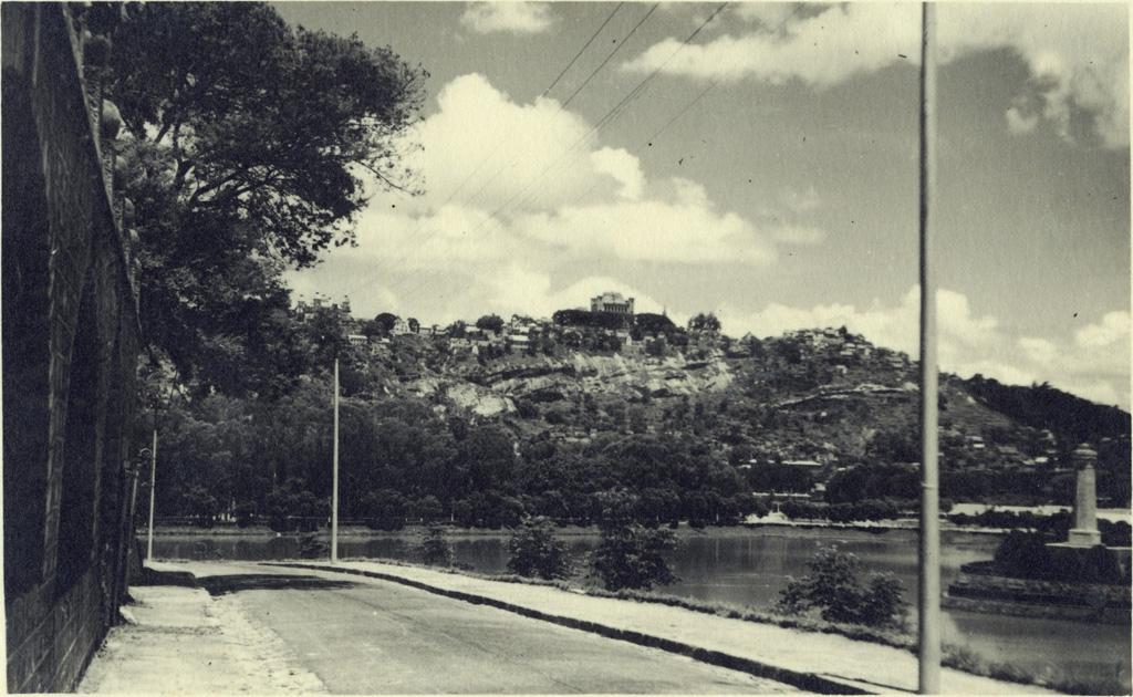 Palais de la Reine, Palais du Premier Ministre, lac Anosy
