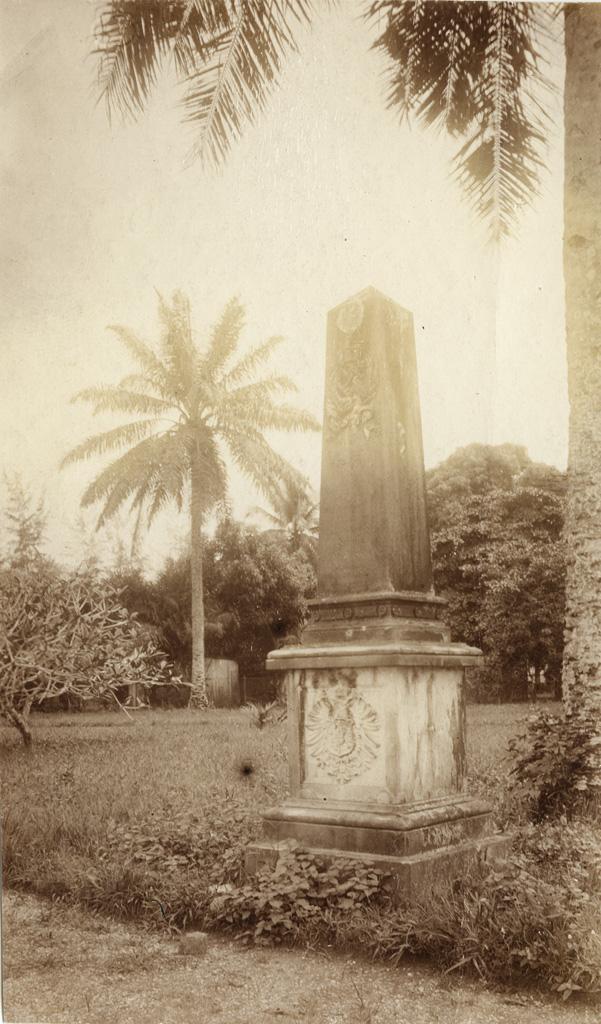 Parc du gouvernement à Douala, monument élevé aux marins du Moewe