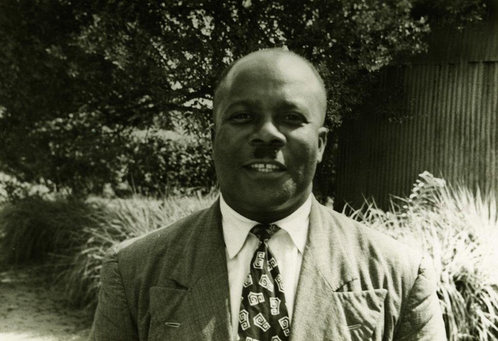 Pasteur Paul Mbendé, président du C.E.B.E.C. et du conseil d'administration du collège de Libamba / non identifié (1950/1970)