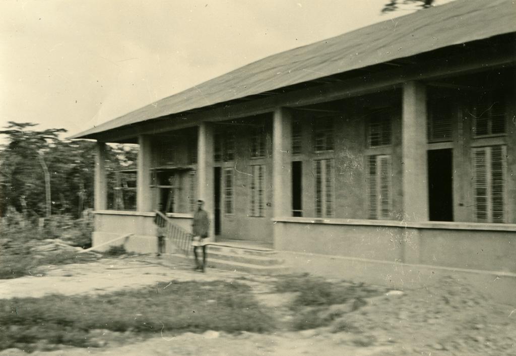 Pavillon des femmes à Ebeigne