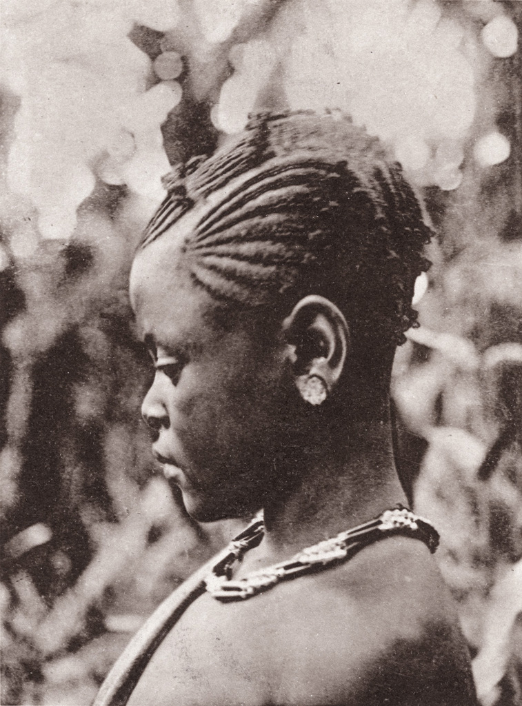 Petite fille de Foumban, Cameroun
