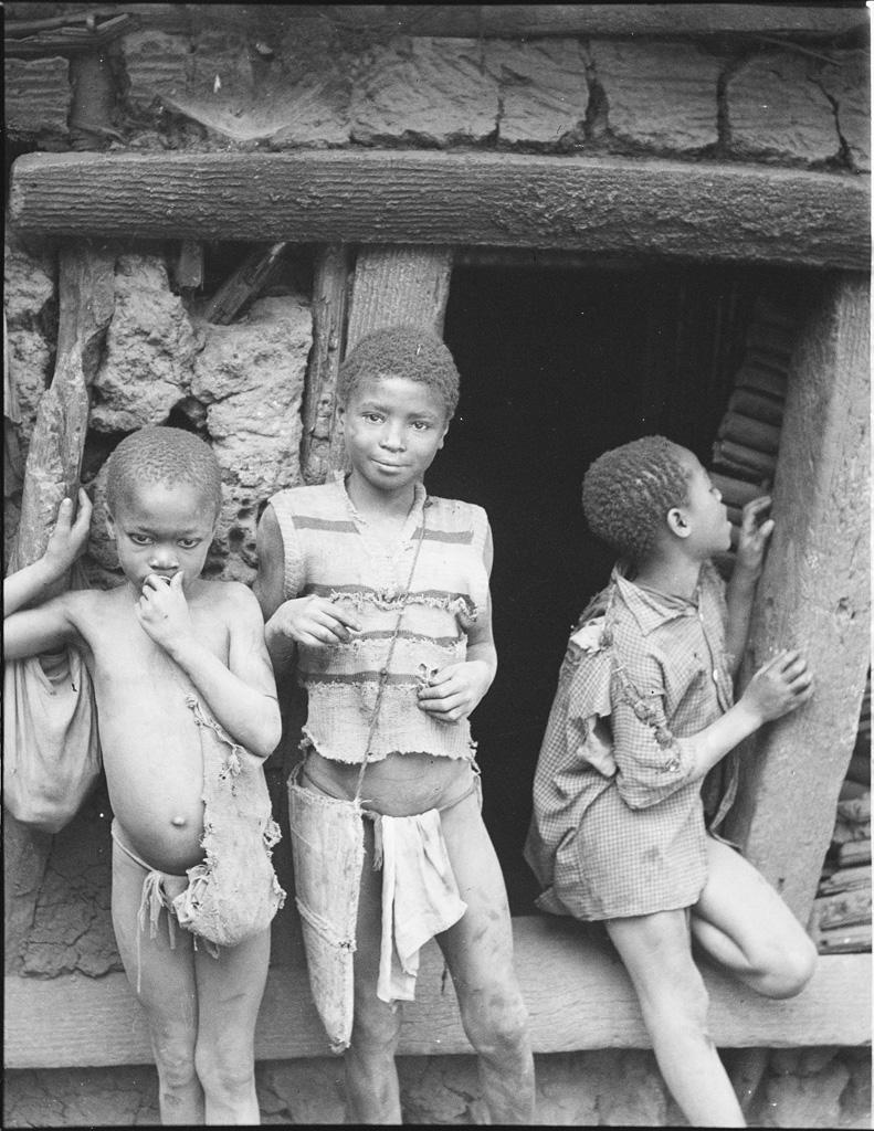 Petits serviteurs à Bandjoun