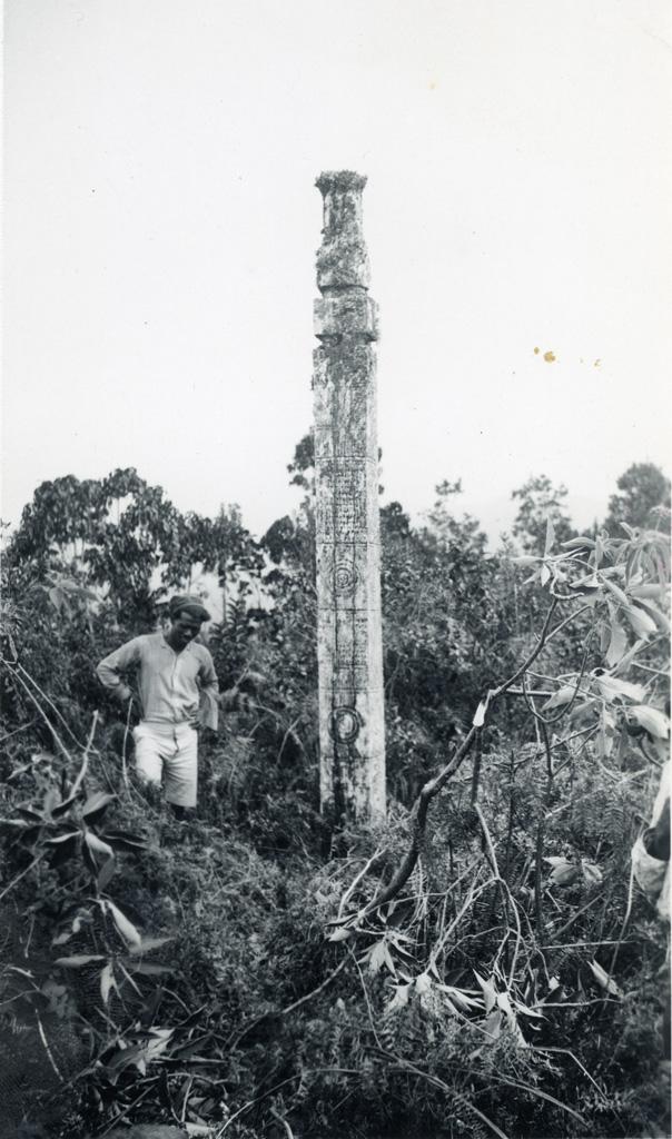Pieux sacré sculpté en région païenne