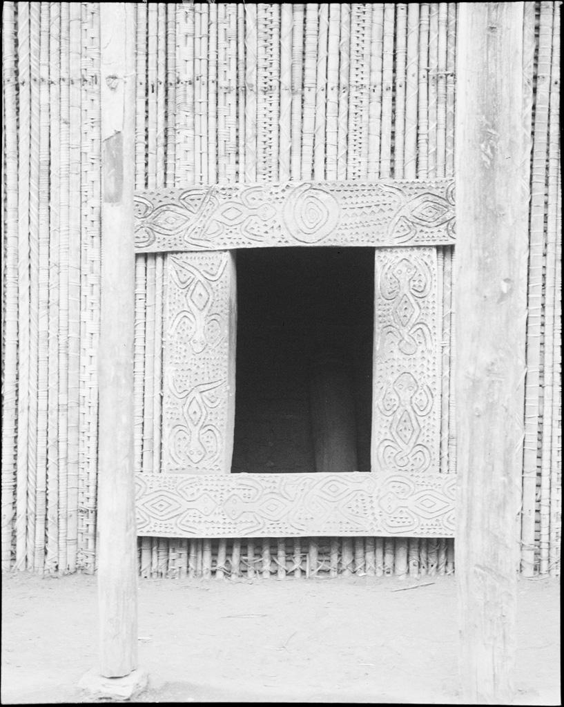 Porte à Bamendjinda