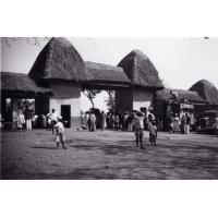 Porte de la place du marché - Foumban