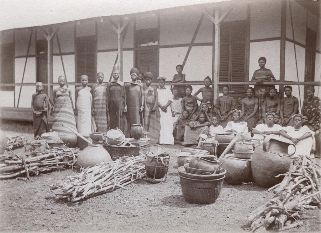 Présents de mariage à Foumban