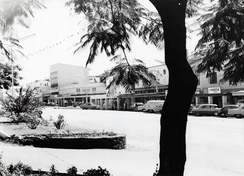 Principale rue de Livingstone, principal centre touristique de Zambie, proche des bords du Zambèze et des Chutes Victoria