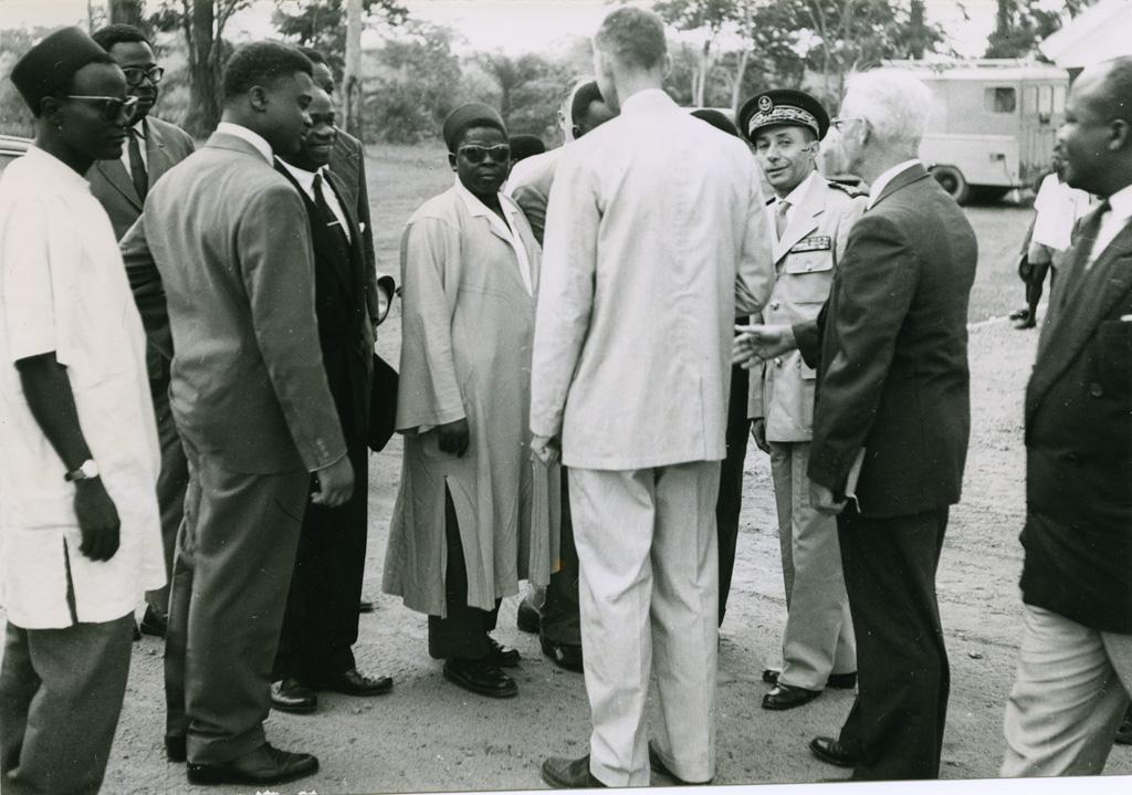 Quelques officiels lors de l'inauguration de la chapelle de Libamba