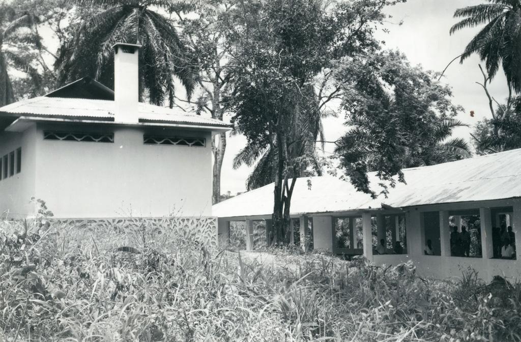 Réfectoire du collège, vue d'ensemble