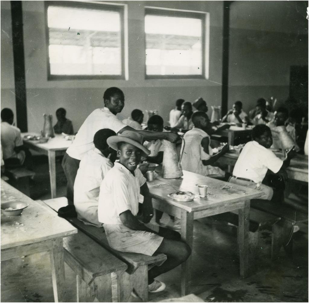 Refectoire du restaurant pour travailleurs africains