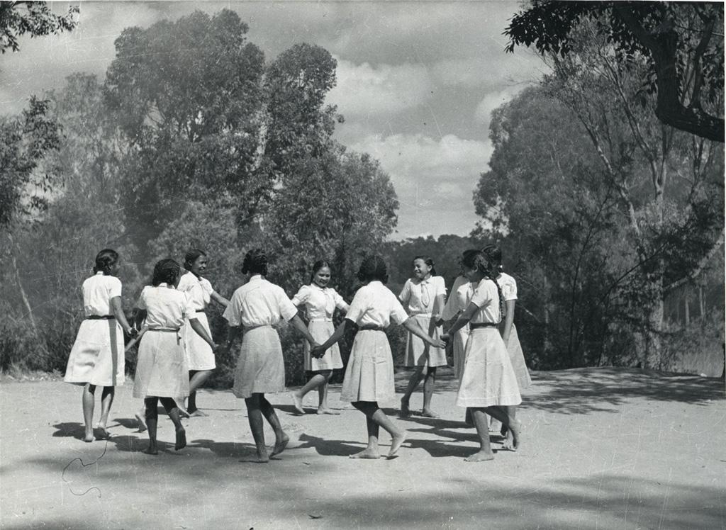 Ronde d'éclaireuses malgaches