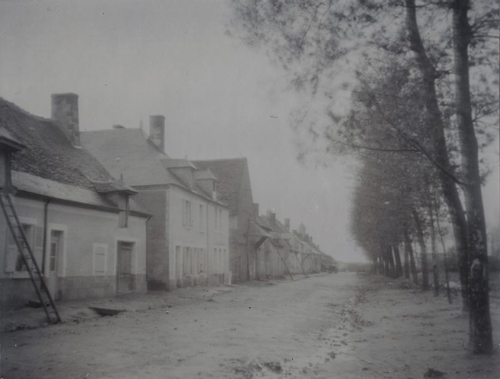 [Rue du village d'Asnières-les-Bourges]