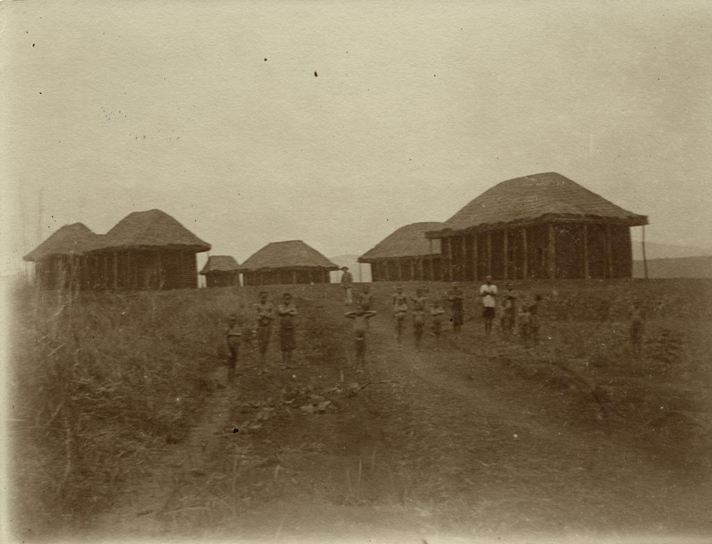 Schule in Bana [Ecole à Bana]