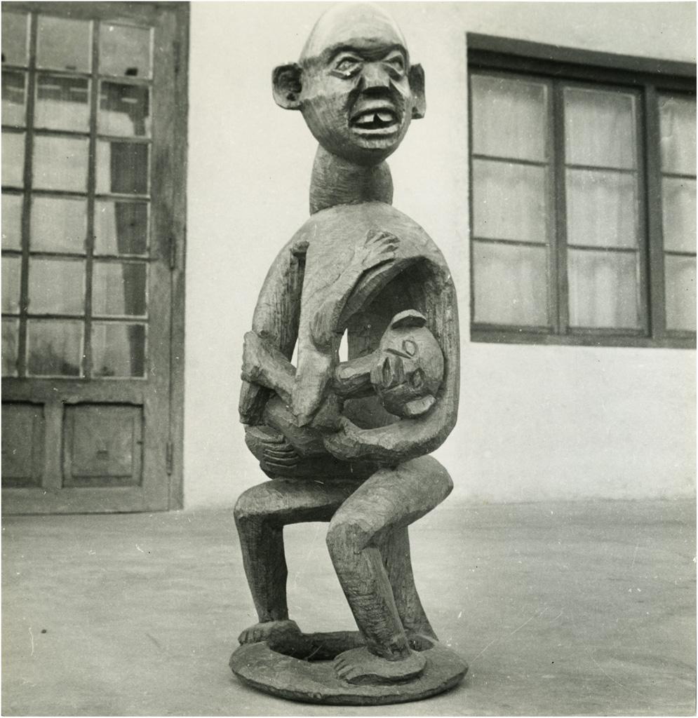 [Sculpture Bamiléké]