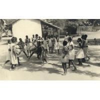 Sous l'équateur, chaque enfant naît danseur