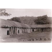 Station de voyage (maisons des porteurs) dans le pays Bamoun