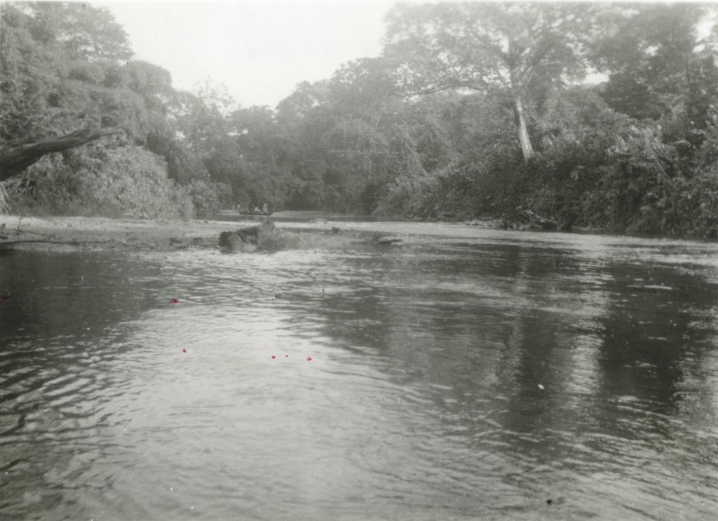 Sur la rivière d'Avebe