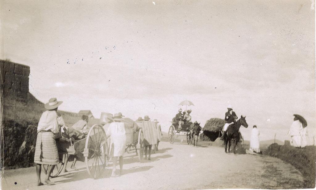 Sur la route de Tananarive à Tamatave