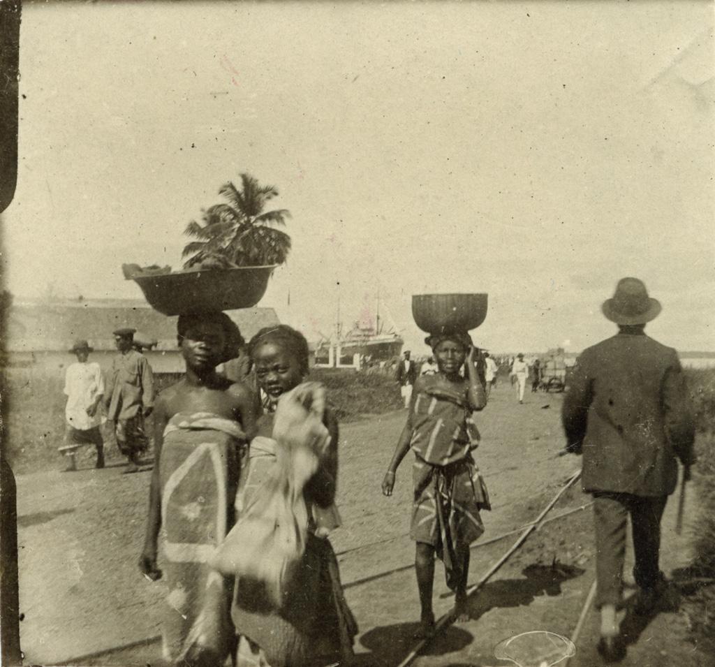 Sur les quais à Douala