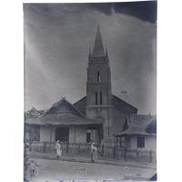 Temple d'Ambato Boeni sur Betsiboka (Madagascar), en 1918-19, clocher refait en 1922