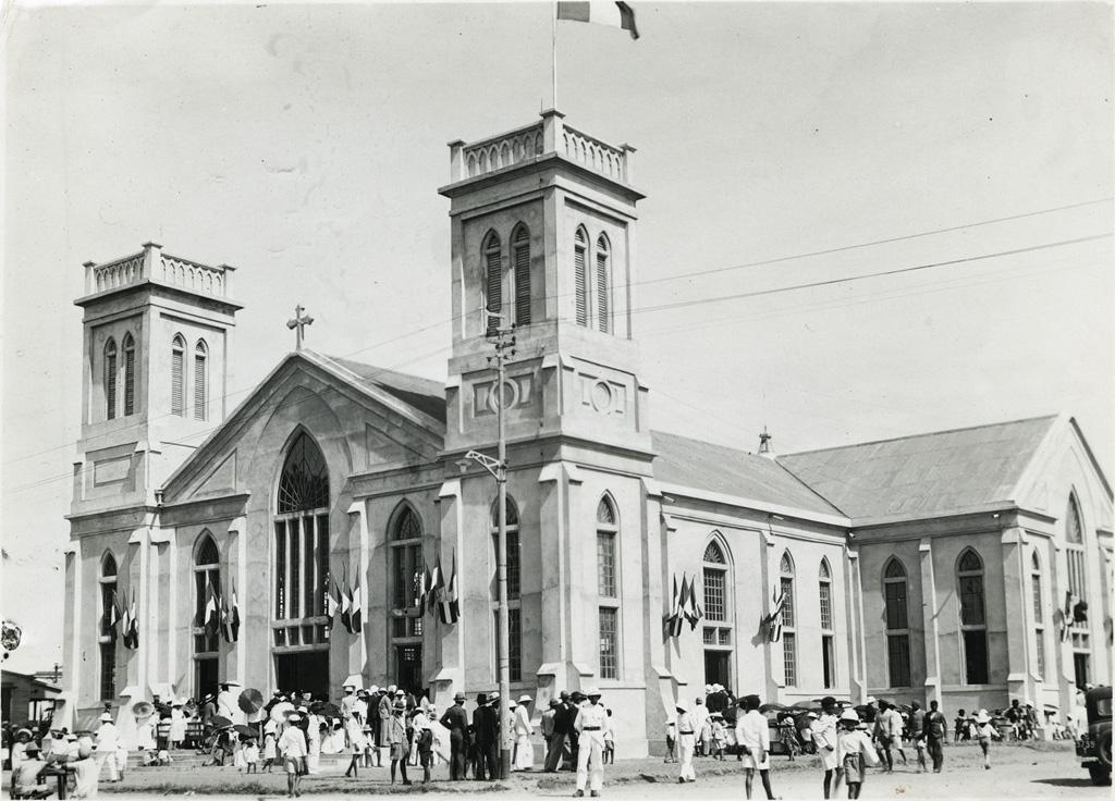 Temple, vue générale le deuxième jour de l'inauguration