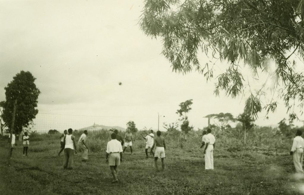 Terrain de volley-ball des étudiants de l'école de théologie de Ndoungue