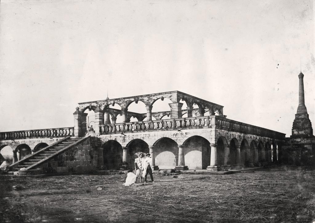 Tombeau royal au bas de Tananarive