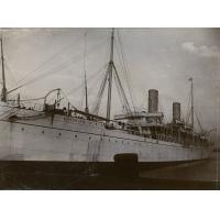 Un bâteau à vapeur faisant le service de Londres à Cape Town