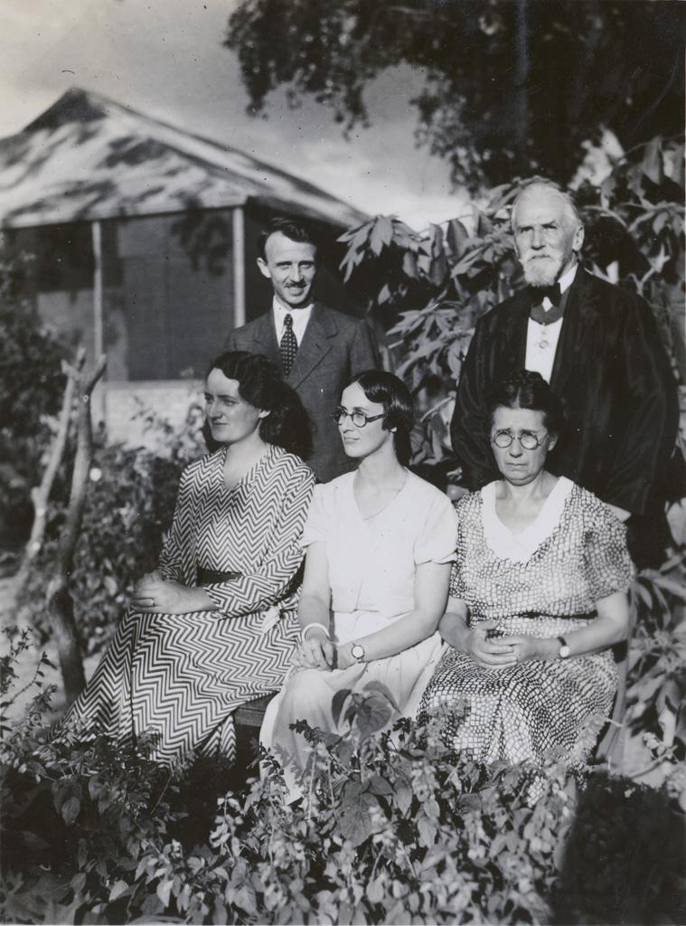 Un groupe de missionnaires de la SMEP : Samuel Seguin, Adolphe Jalla, Christina Seguin, Marie Borle, Anna Saucon