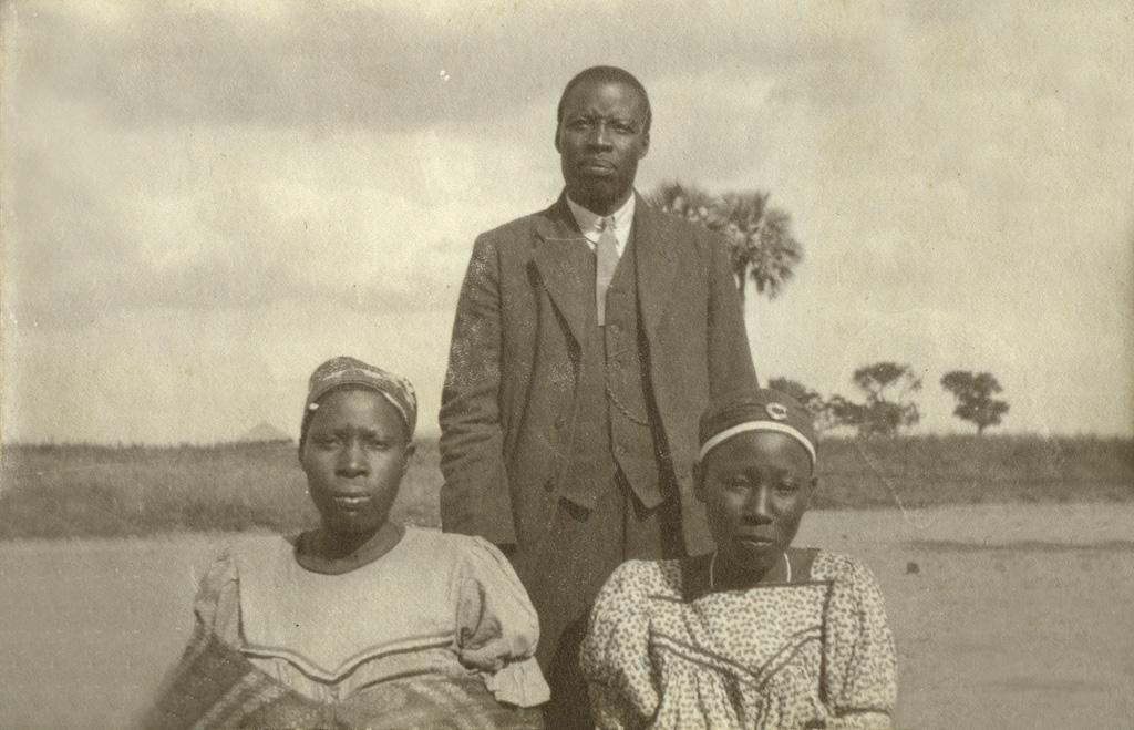 Un homme et ses deux épouses
