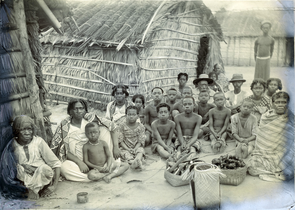 Une belle famille sakalave, Antséza