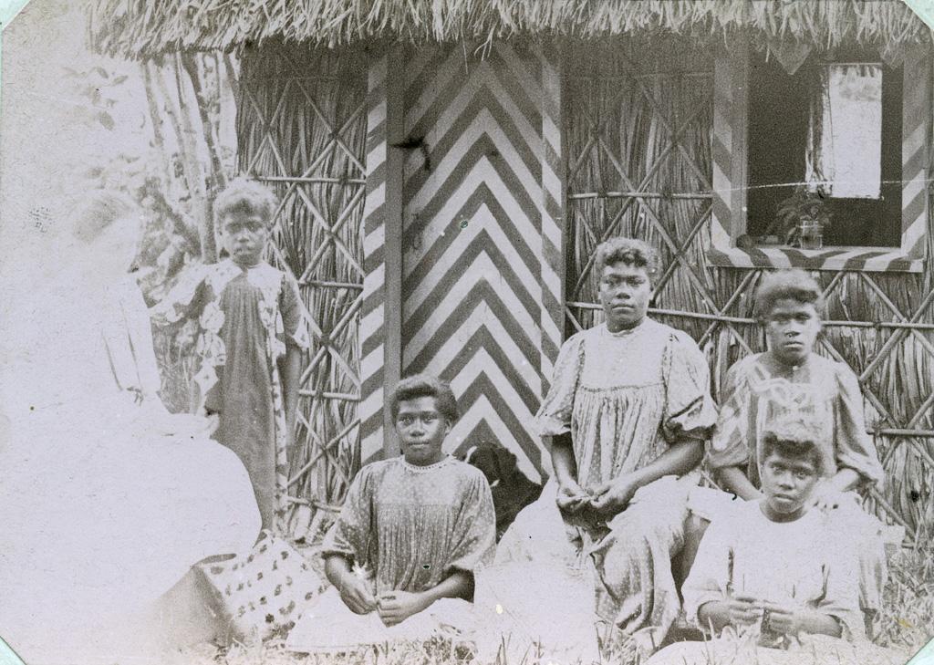 Une classe de couture à Maré