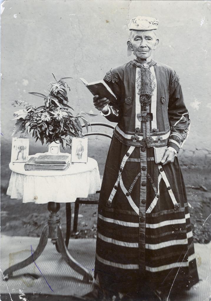 Une femme noble d'Ambohimalaza (près de Tananarive)