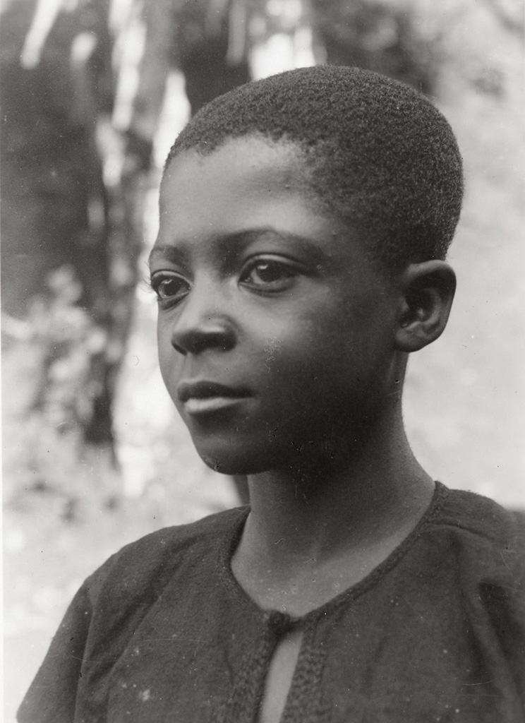 Vessa, neveu du roi Njoya / Anna Wuhrmann (1911/1915)