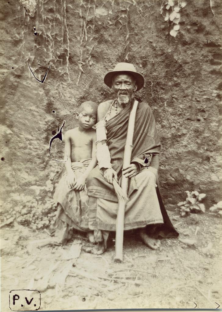 Vieil homme avec un enfant