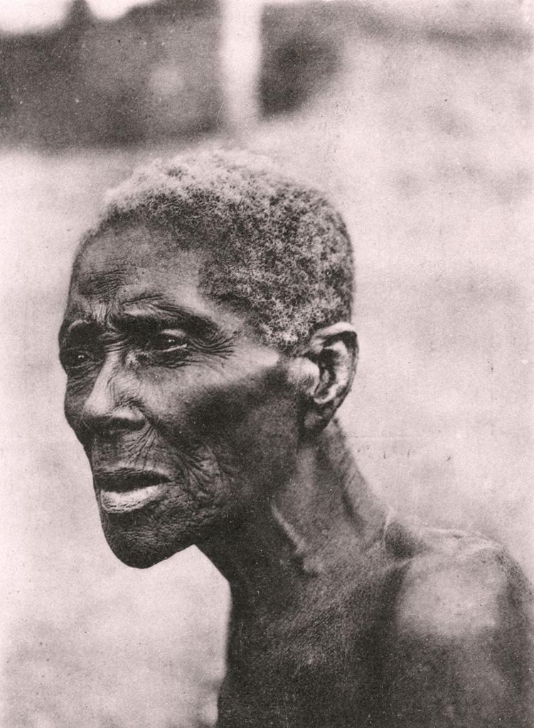 Vieille esclave, au Cameroun / Anna Wuhrmann (1911/1915)