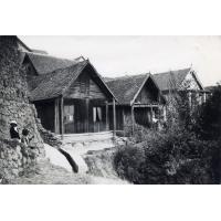Vieilles cases en bois dans le quartier du palais de la reine
