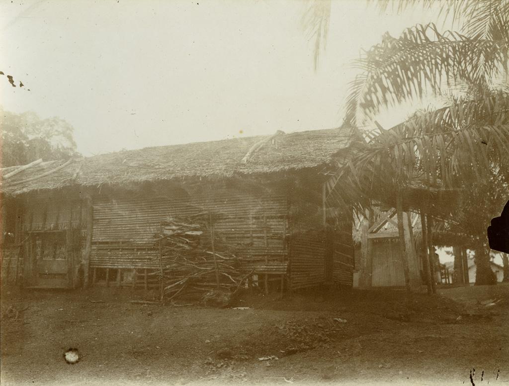 Vieux dortoir à Lambarene
