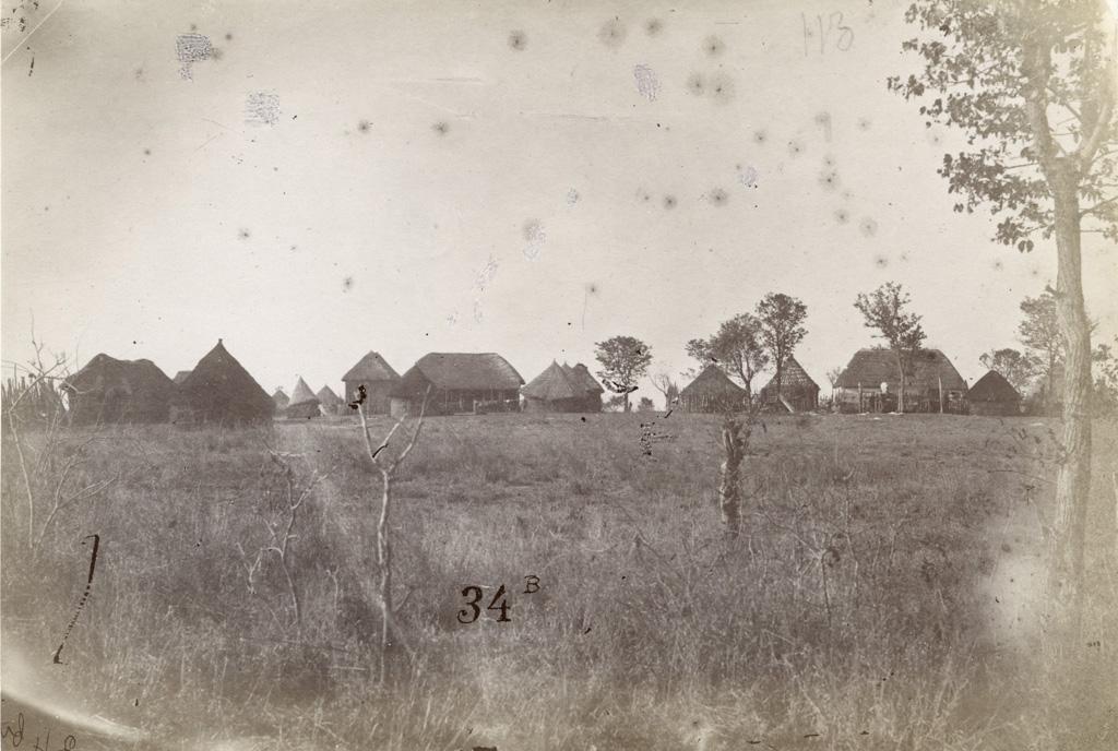 Village de Pandamatenga : à droite l'établissement de M. Westbeech, à gauche celui des Jésuites / François Coillard