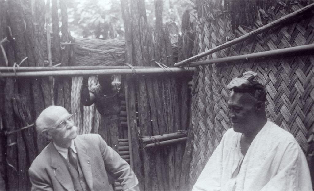 Voyage de Marc Boegner, en visite chez un chef Bamiléké