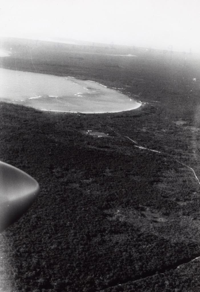 Vue aérienne de la baie de Chépénéhé, Lifou
