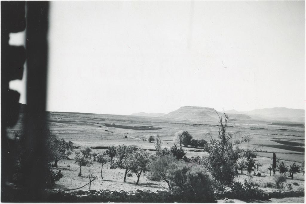 Vue de la fenêtre de l'Eglise de Massitissi